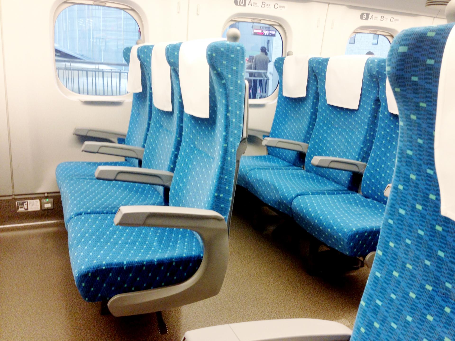 新幹線寝る