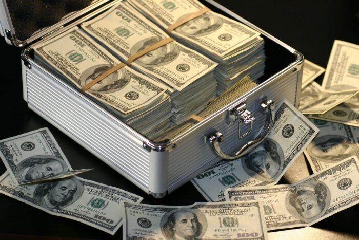 ステフィンカリーの年俸(日本円)や資産推移の詳細!2020年最新版!